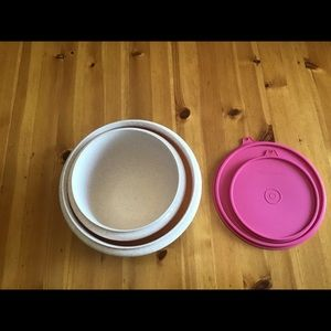 Tupperware Kitchen - 2 TUPPERWARE SPECKLED HEAVY DUTY MIXING BOWLS